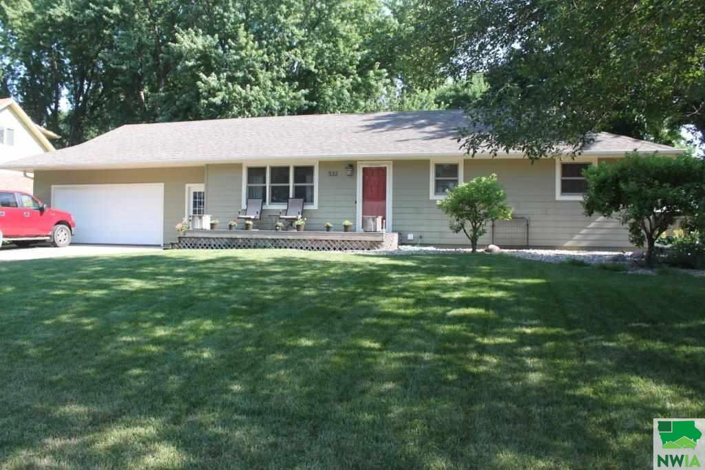 Property for sale at 532 SE 5th, Sioux Center,  IA 51250