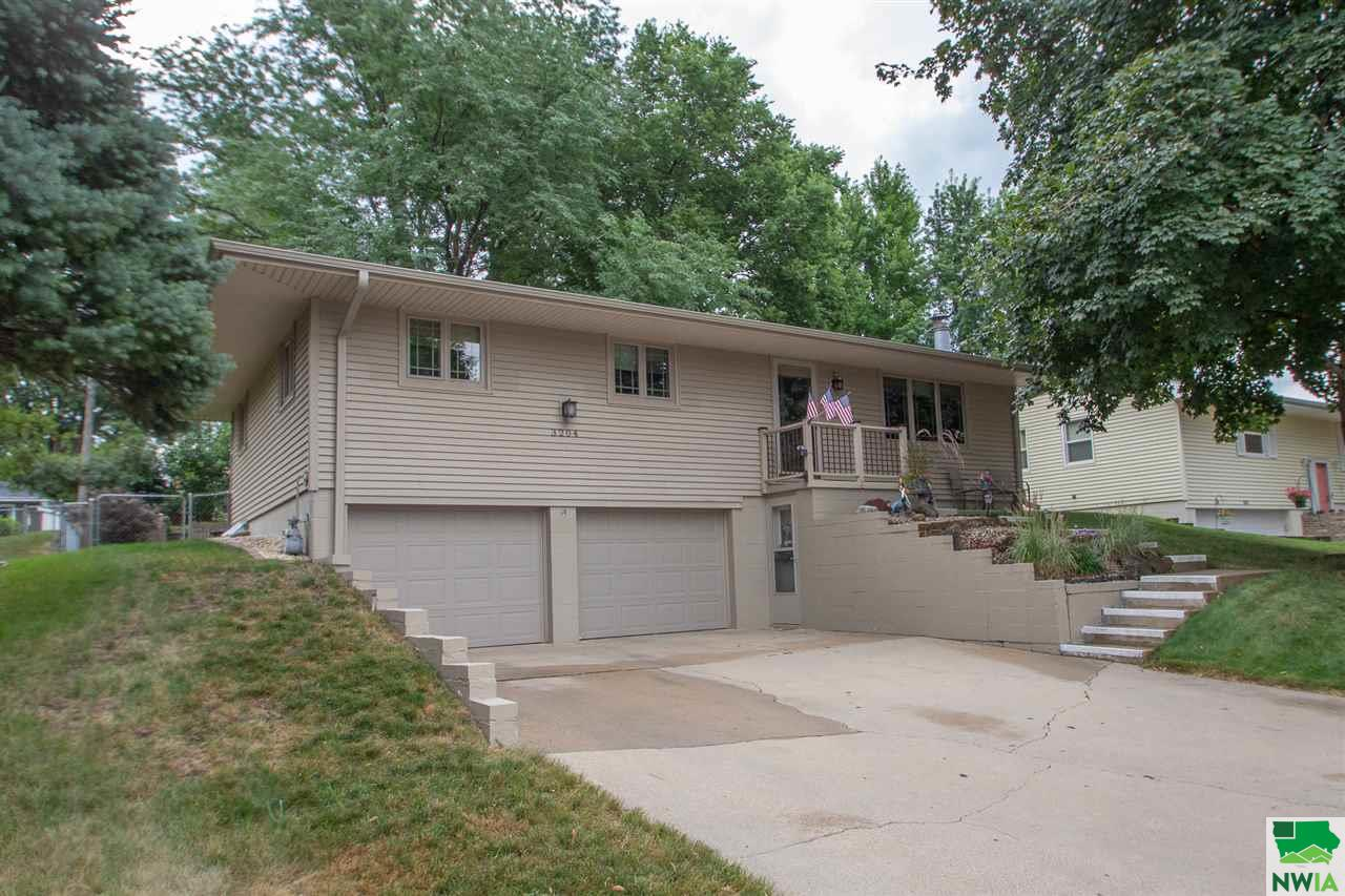 Property for sale at 3204 S Hennepin, Sioux City,  IA 51106