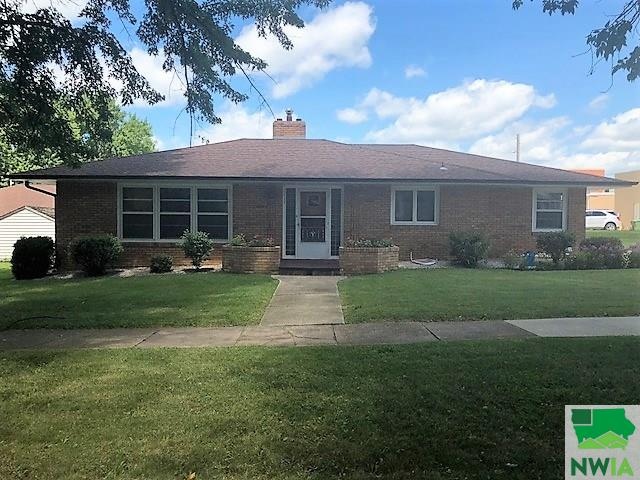 Property for sale at 117 1st St Nw, Orange City,  IA 51041