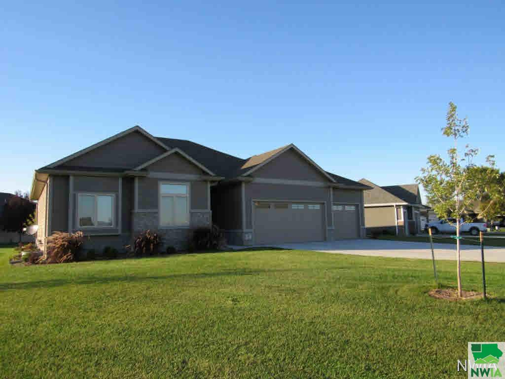 Property for sale at 303 Champions Ct, Dakota Dunes,  SD 57049