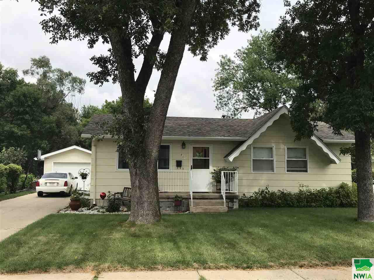 Property for sale at 821 Apache Drive, South Sioux City,  NE 68776