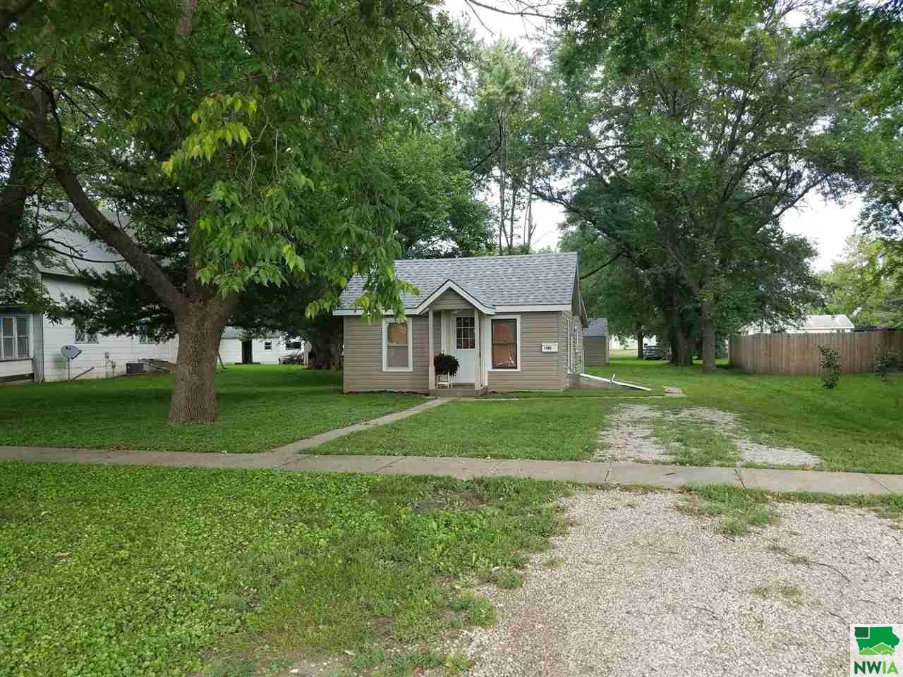 Property for sale at 1305 6th, Onawa,  IA 51040