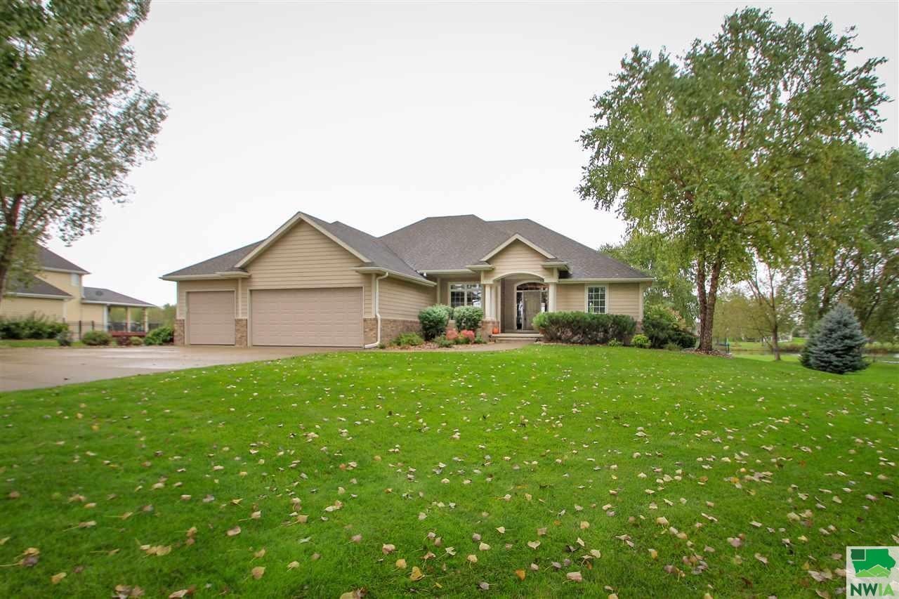 Property for sale at 961 Wynstone Drive, Jefferson,  SD 57038