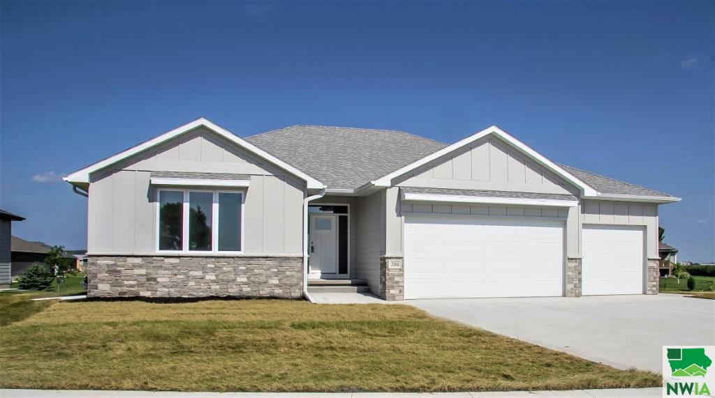 Property for sale at 204 S Canterbury Circle, No. Sioux City,  South Dakota 57049
