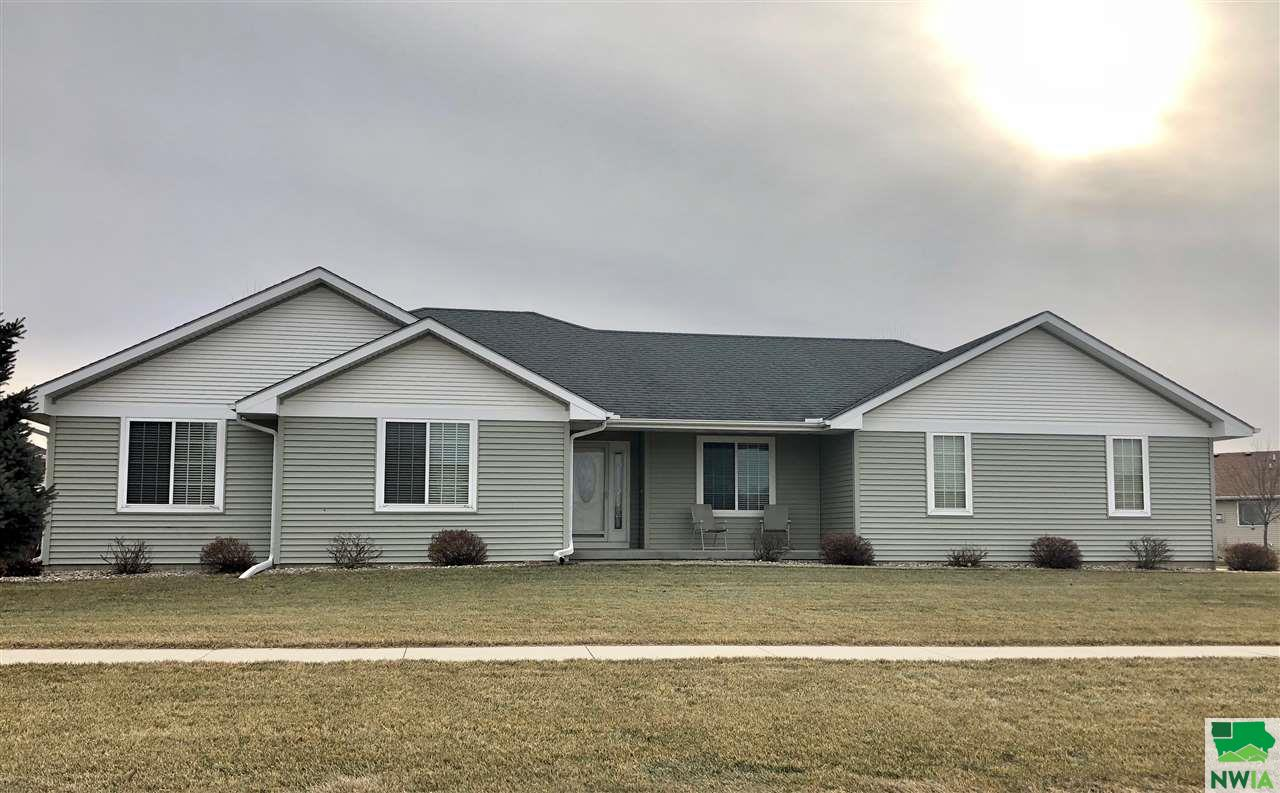 Property for sale at 1205 Clairmont Circle, Sergeant Bluff,  IA 51054