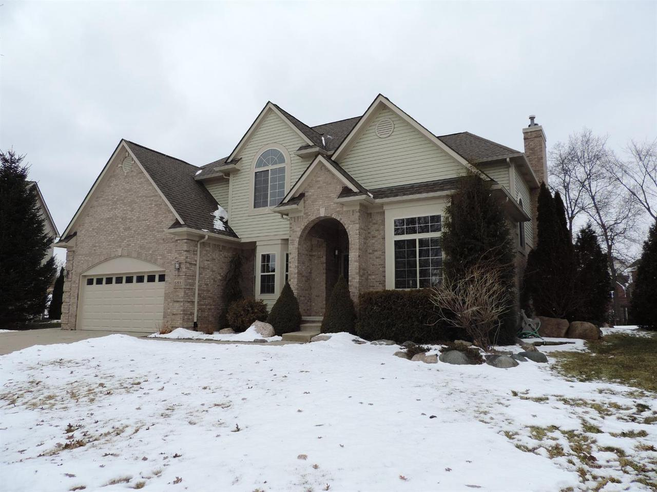 688 OLD FORGE CT