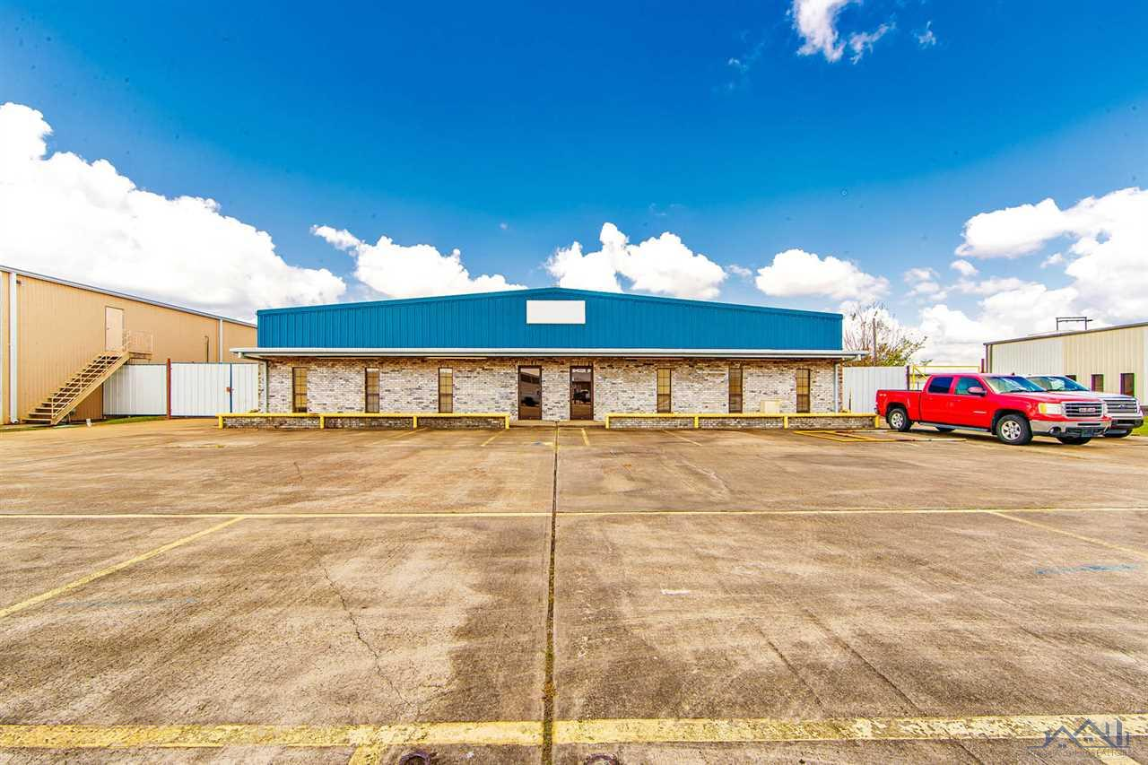 Located in Houma's prime Industrial /Commercial park! This property covers all of your business needs with 7 offices, reception area, large Kitchen, 4 restrooms, A/C work area, locker/change room, a 7181 sf warehouse with a welding shop inside warehouse, 2487 sf. loft, 4 overhead doors, 6 one ton JIB cranes and has 2,924 sf of covered areas. Industrial slab as well as all the power you need for any business! All information must be verified by Purchaser. EQUIPMENT TO BE SOLD SEPARATELY (excluding 6 one ton JIB cranes).   Listing agent must be present for all showings.