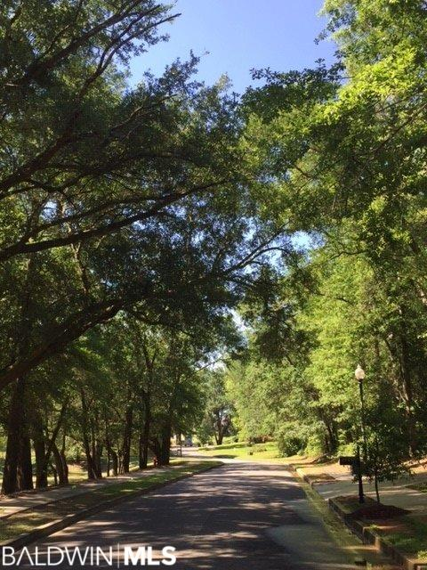 11 Summer Lake Street, Fairhope, AL 36532