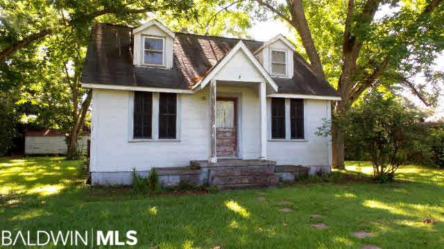 103 Woodlawn Avenue, Atmore, AL, 36502