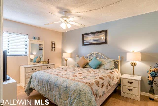 1051 West Beach Blvd, Gulf Shores, AL 36542