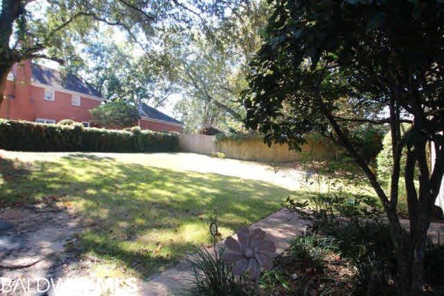 5609 N Regency Oaks Drive, Mobile, AL 36609