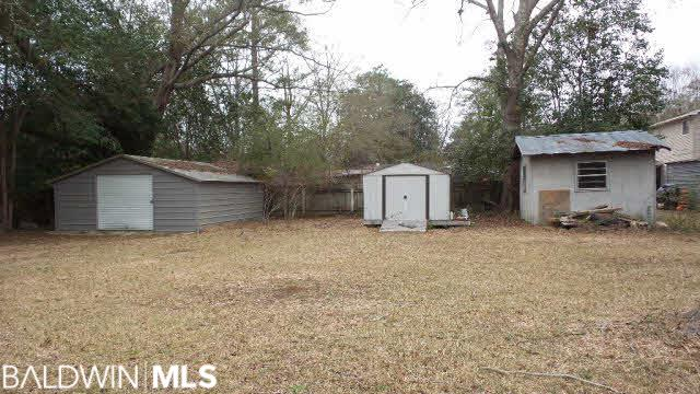 110 Oakland Cir, Brewton, AL 36426