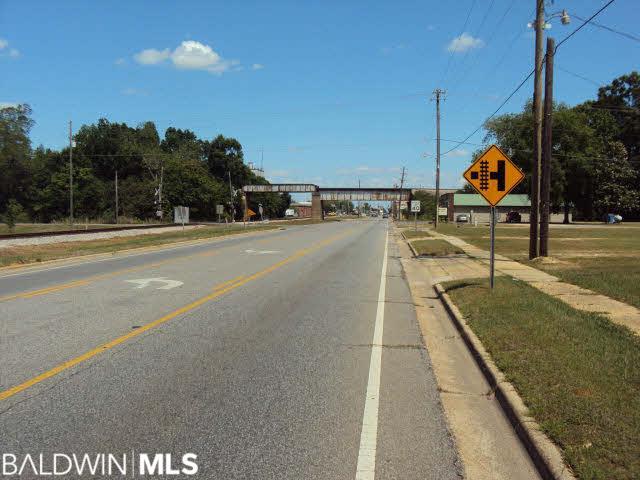 509 Nashville Ave, Atmore, AL 36502