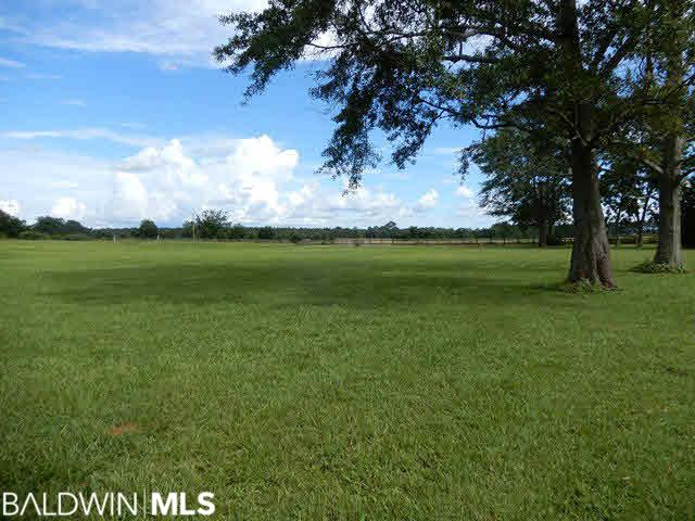 4730 Hall Road, McDavid, FL 32568