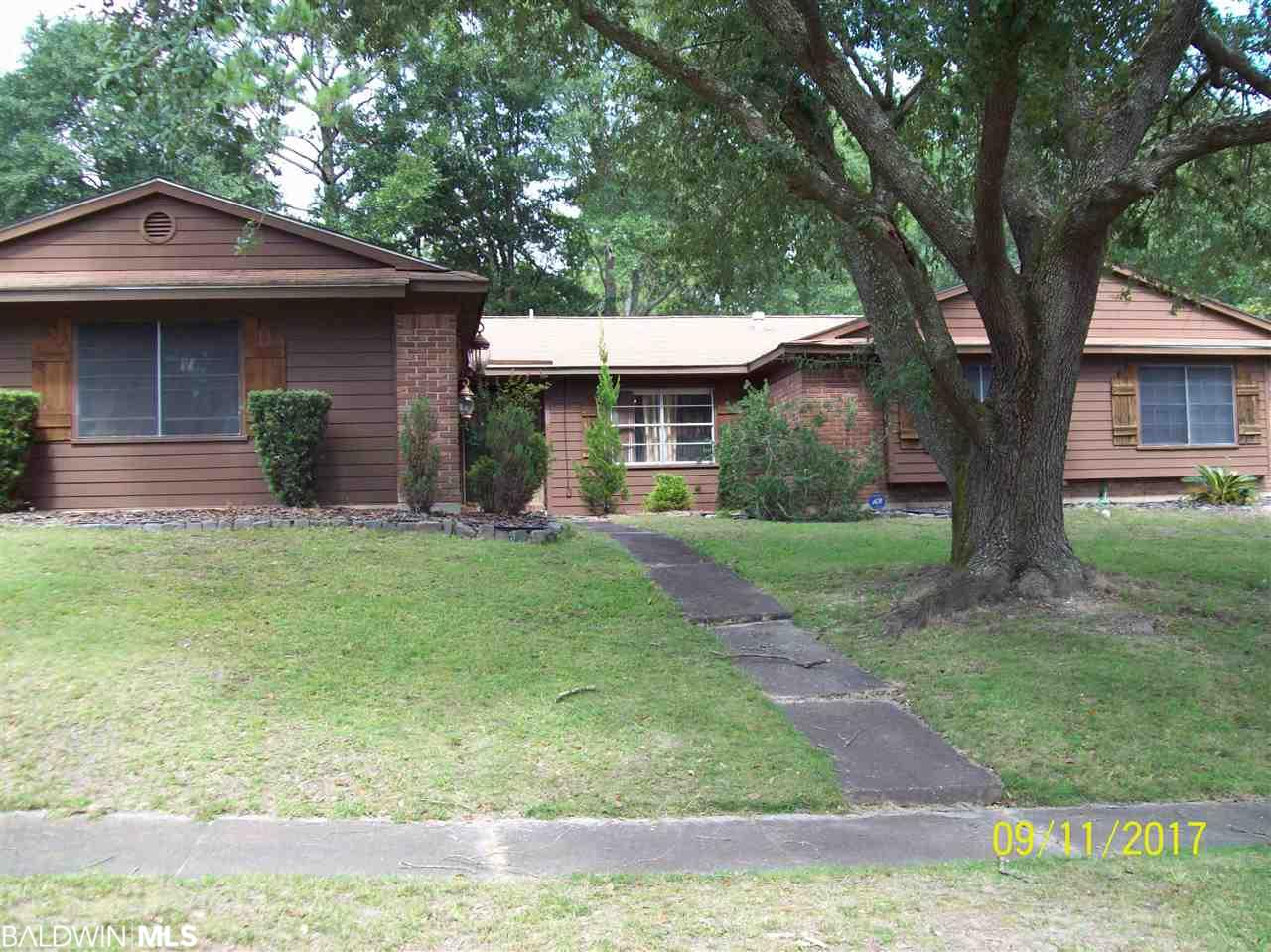 417 Dogwood Dr, Mobile, AL 36609