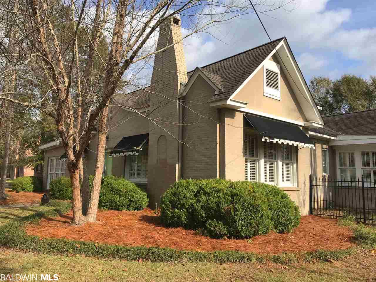 716 Evergreen Avenue, Brewton, AL 36426