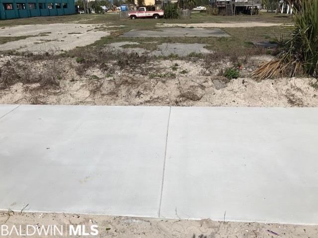 204 E Beach Blvd, Gulf Shores, AL 36542