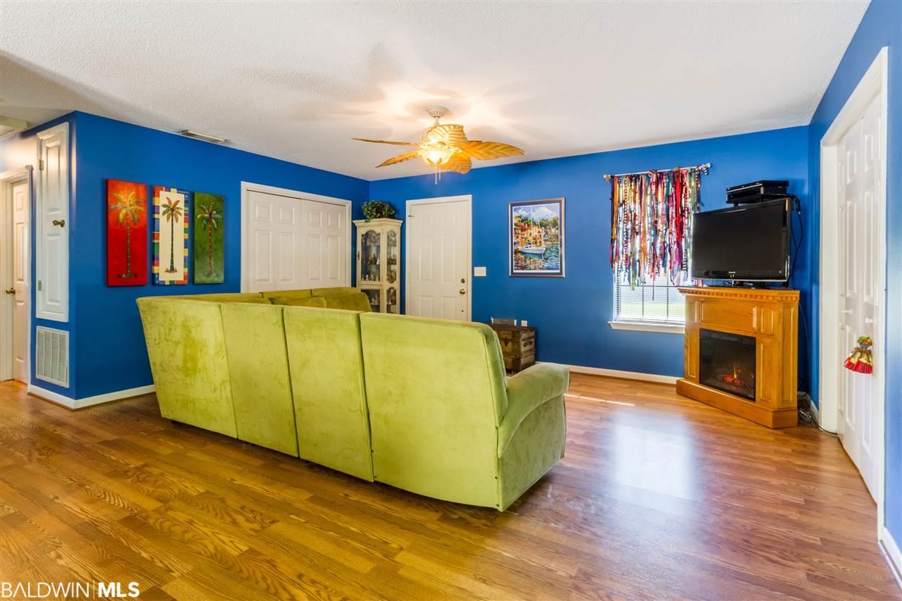 22121 Burkowski Lane, Gulf Shores, AL 36542