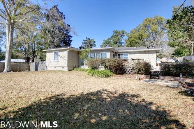 410 Fairwood Blvd, Fairhope, AL 36532