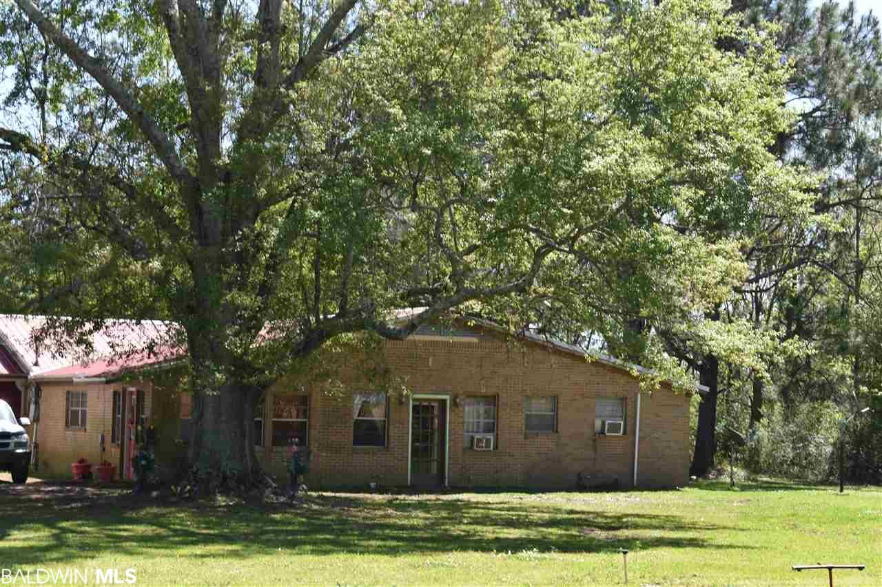 19974 E Silverhill Avenue, Robertsdale, AL 36567
