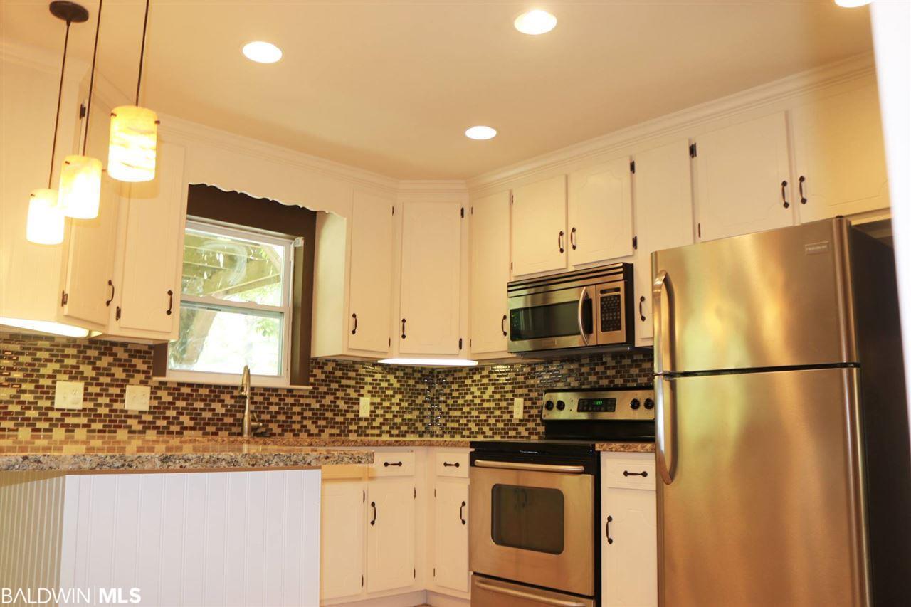 348 W 23rd Avenue, Gulf Shores, AL 36542