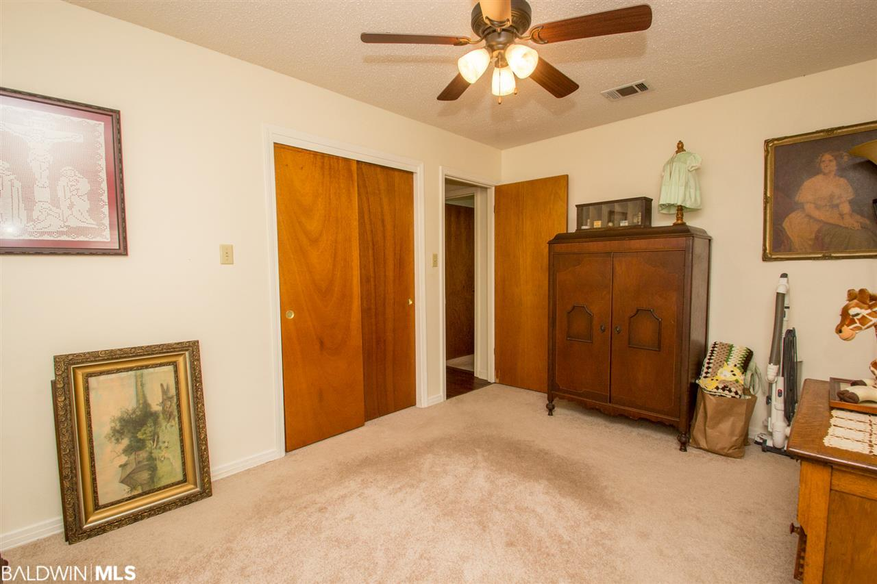 2212 Clubhouse Drive, Lillian, AL 36549