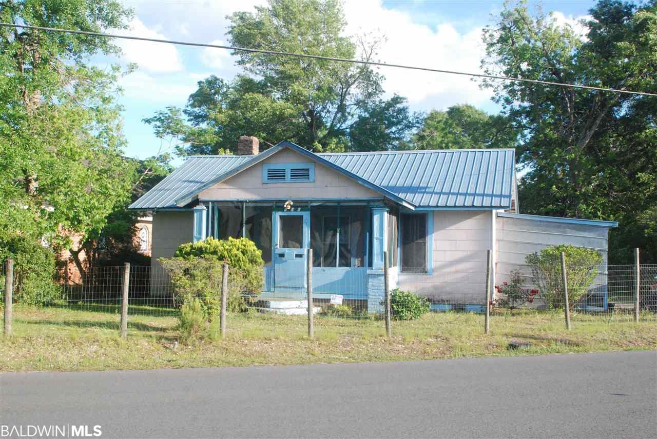 144 Carver Ave., Atmore, AL 36502