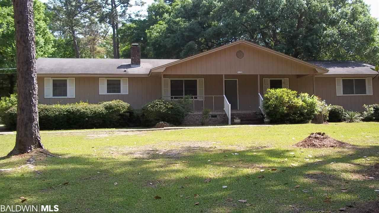 9530 Soldier Creek Rd, Lillian, AL 36549