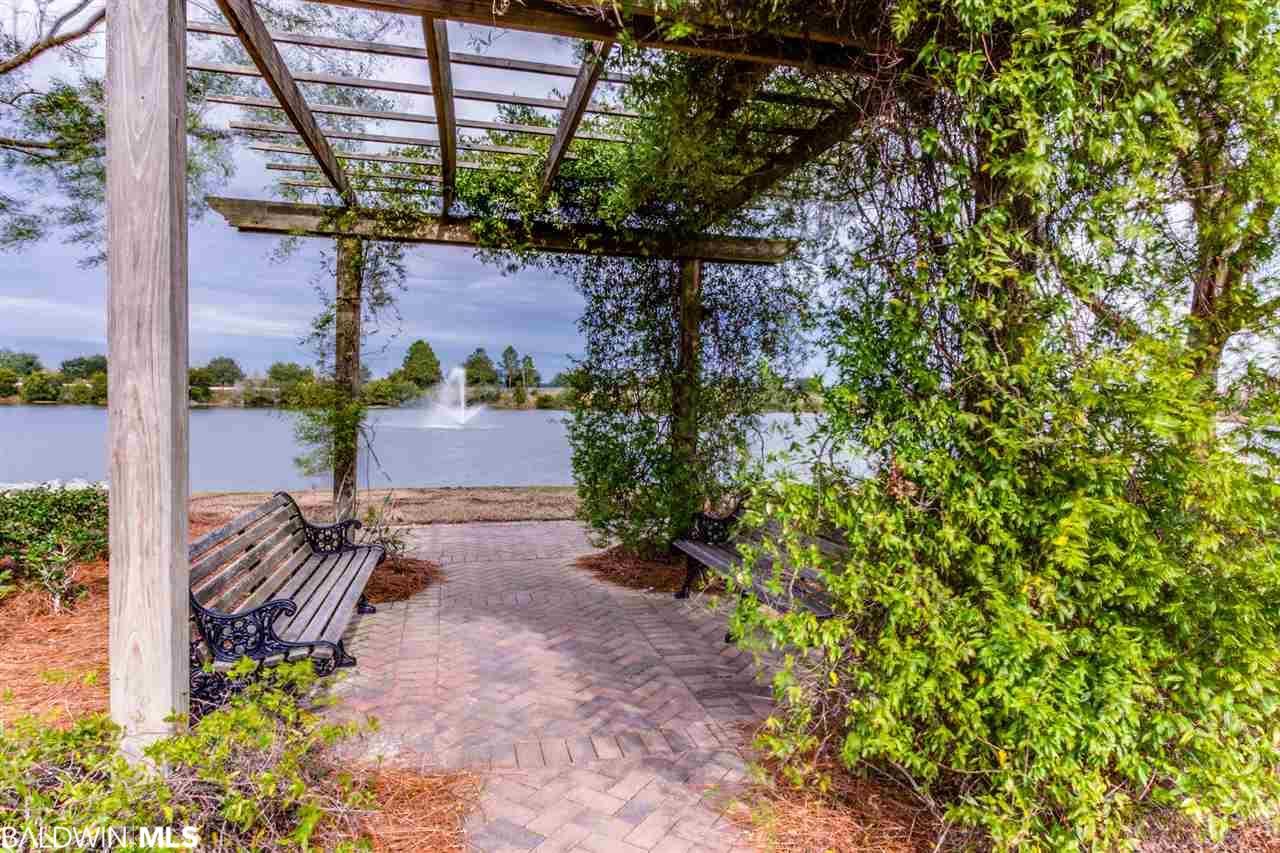4201 Ladybank St, Gulf Shores, AL 36542