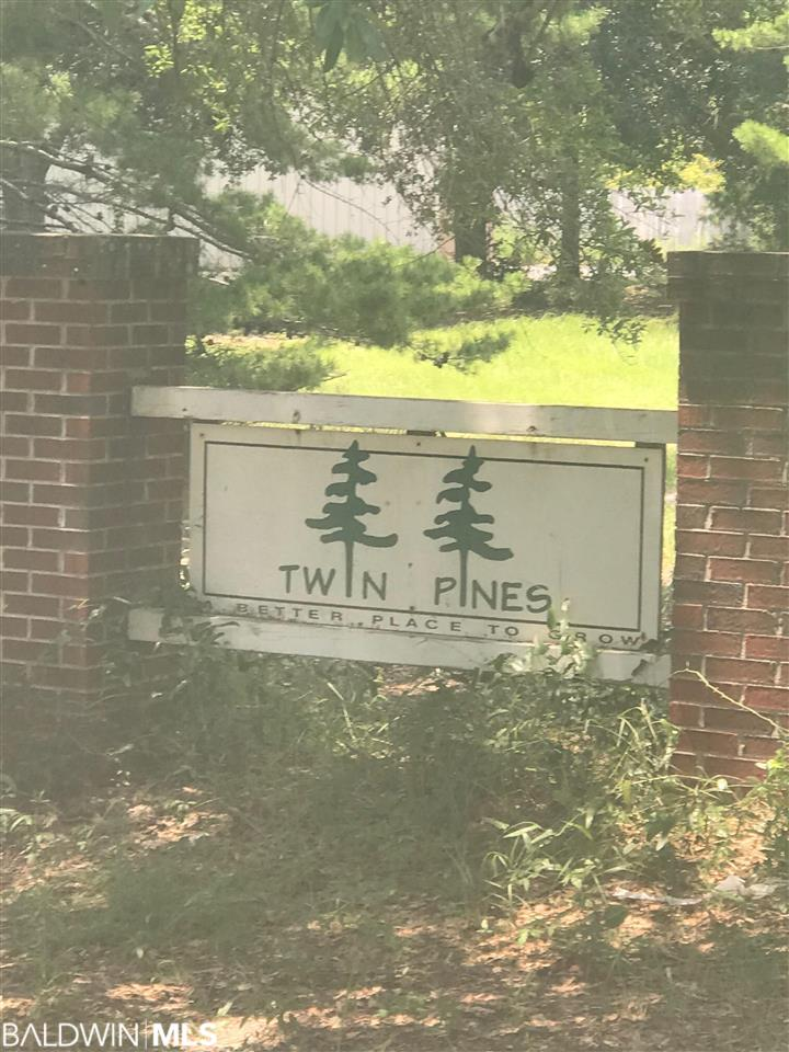 Twin Pines Cir, Gulf Shores, AL 36542