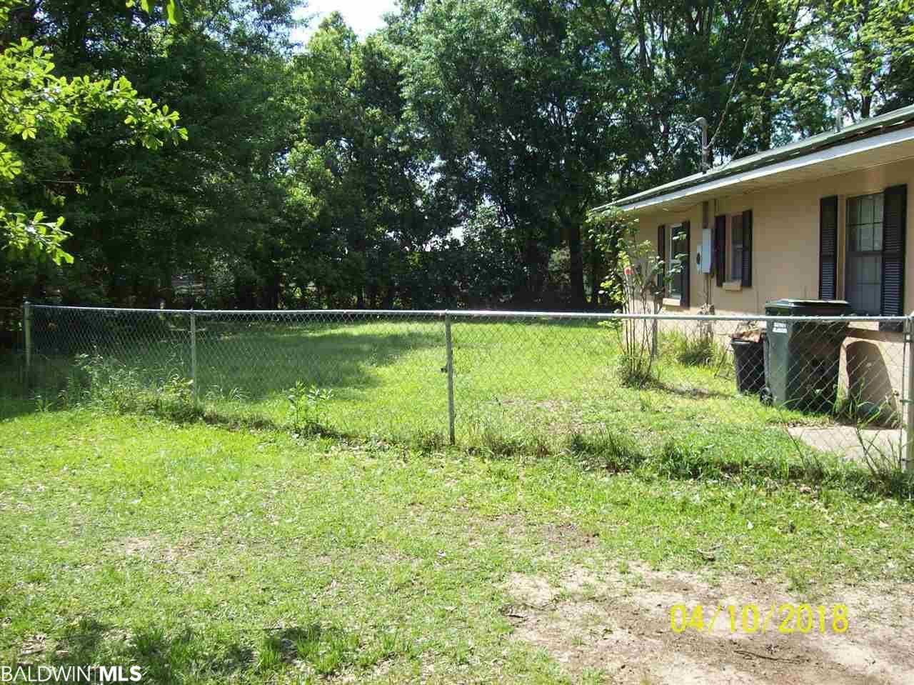 206 E Jackson Av, Summerdale, AL 36580
