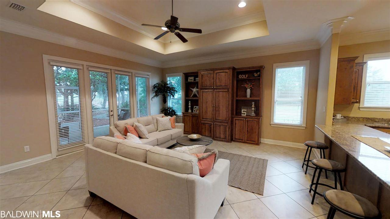 10 Lakeside Dr, Gulf Shores, AL 36542