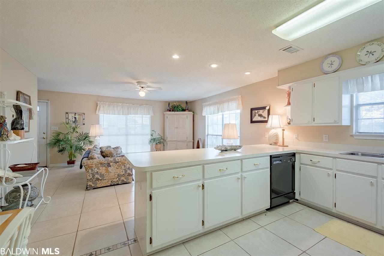 264 W 6th Avenue #Unit B, Gulf Shores, AL 36542