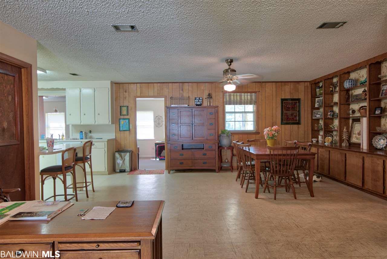 9251 Soldier Creek Rd, Lillian, AL 36549