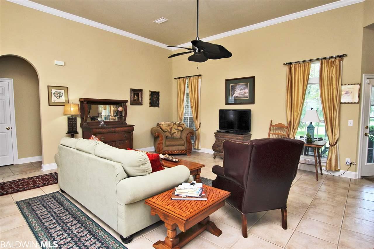 9069 Lakeview Drive, Foley, AL 36535