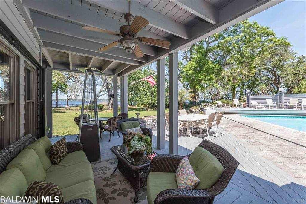 940 Paradise Beach Circle, Pensacola, FL 32506