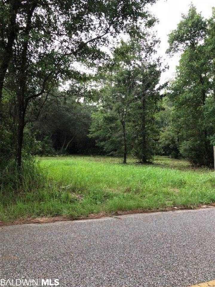9427 Soldier Creek Rd, Lillian, AL 36549