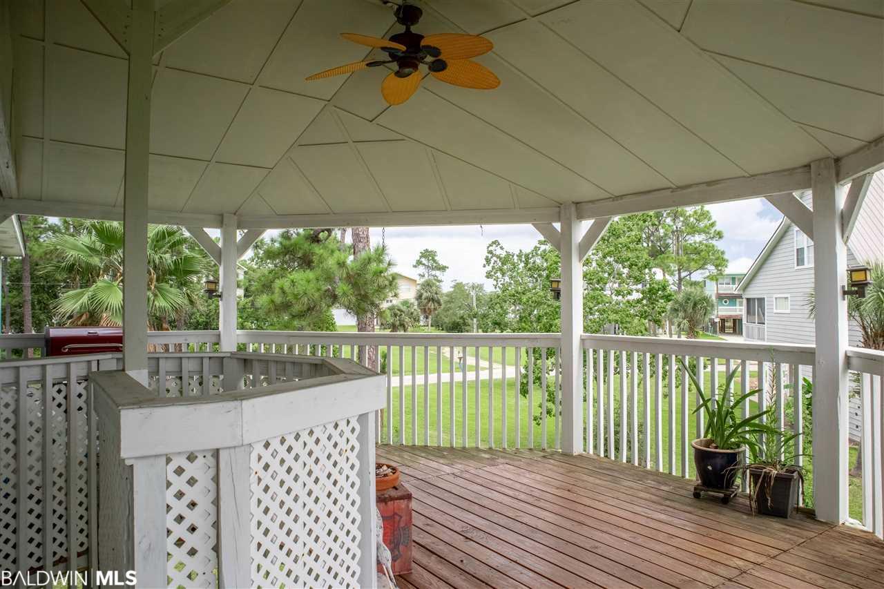 712 Pine Ln, Gulf Shores, AL 36542