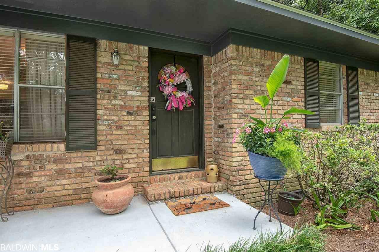 563 Bellangee Street, Fairhope, AL 36532