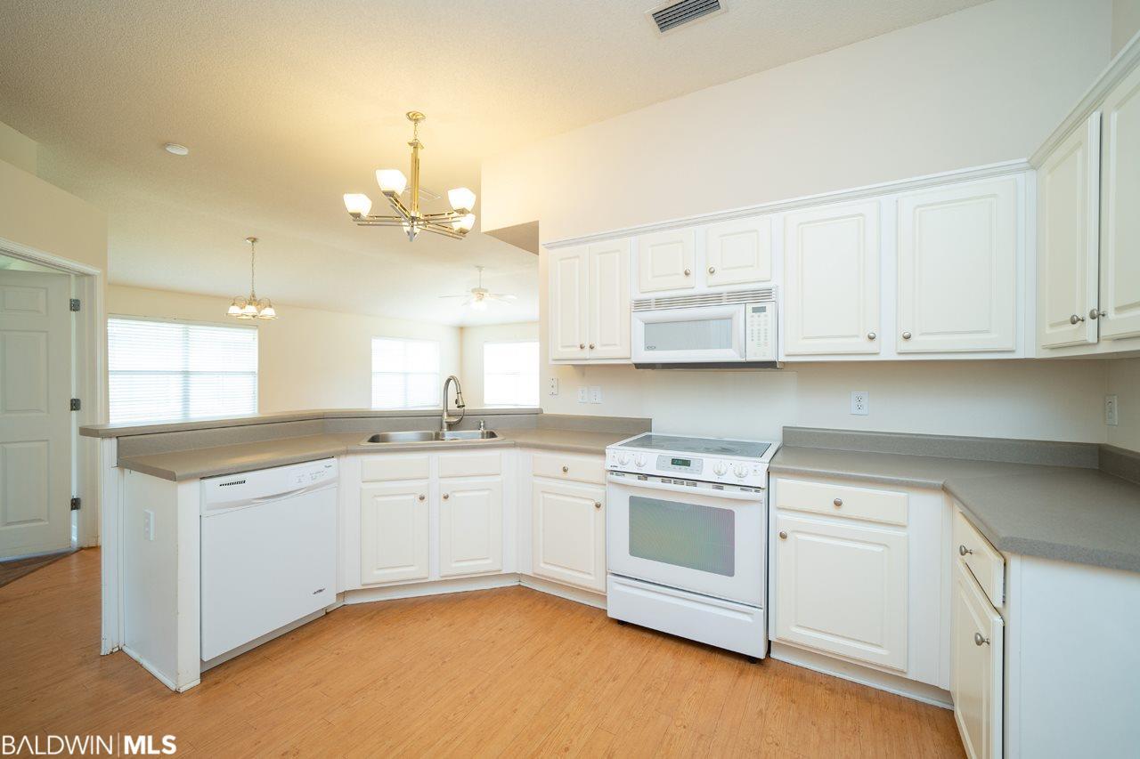 341 Savannah Ln, Gulf Shores, AL 36542