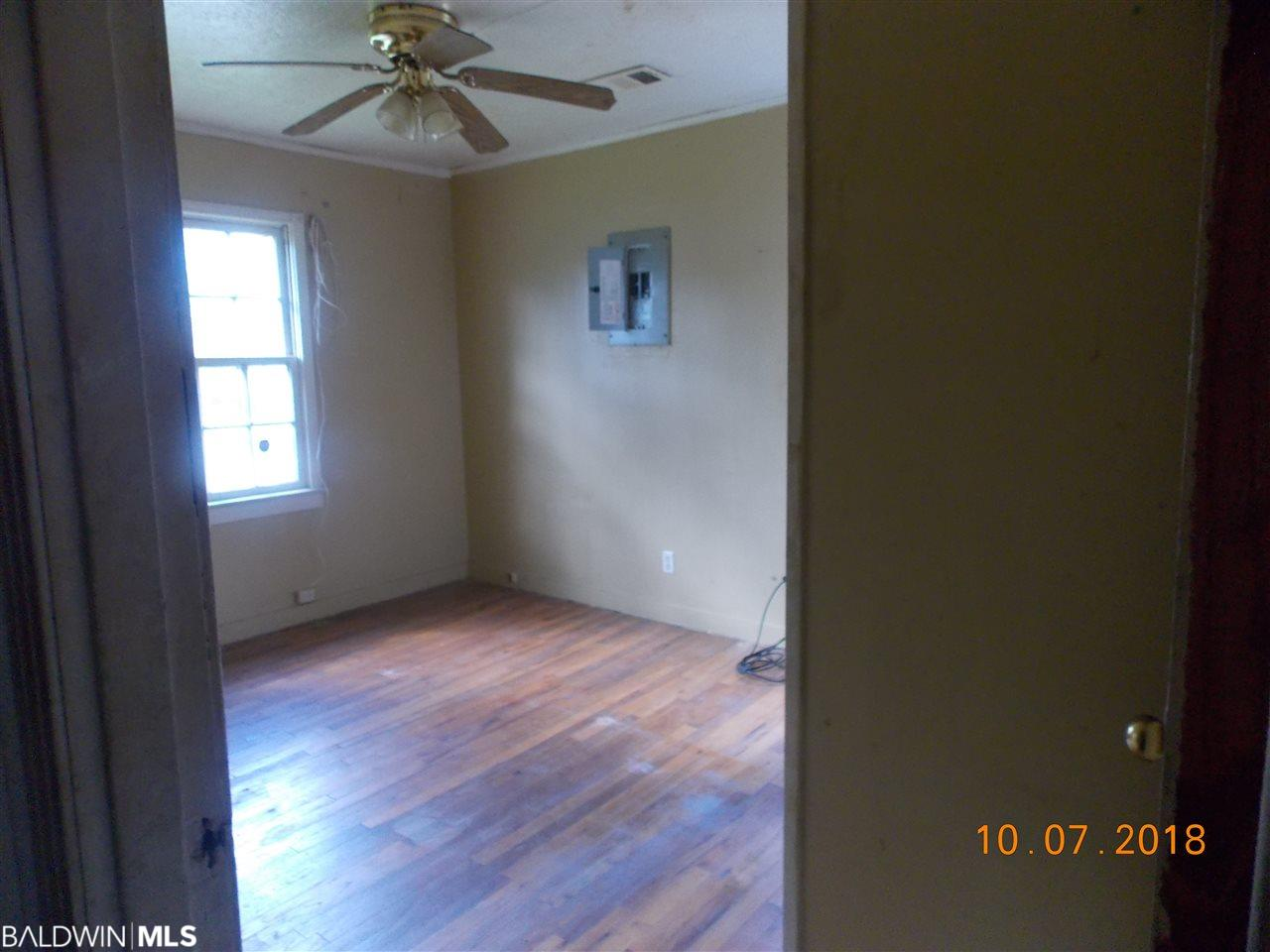 129 Liles Blvd, Brewton, AL 36426