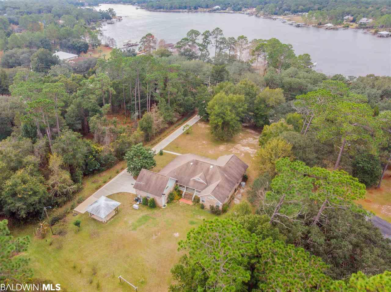 9500 Soldier Creek Rd, Lillian, AL 36549