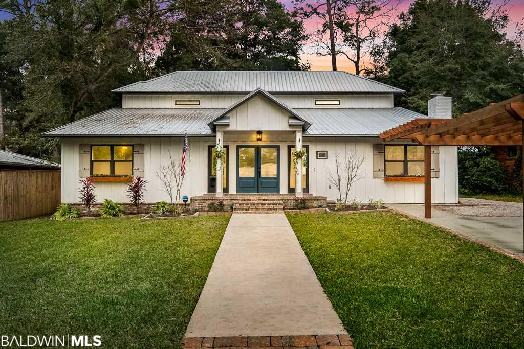 211 Orange Avenue, Fairhope, AL 36532