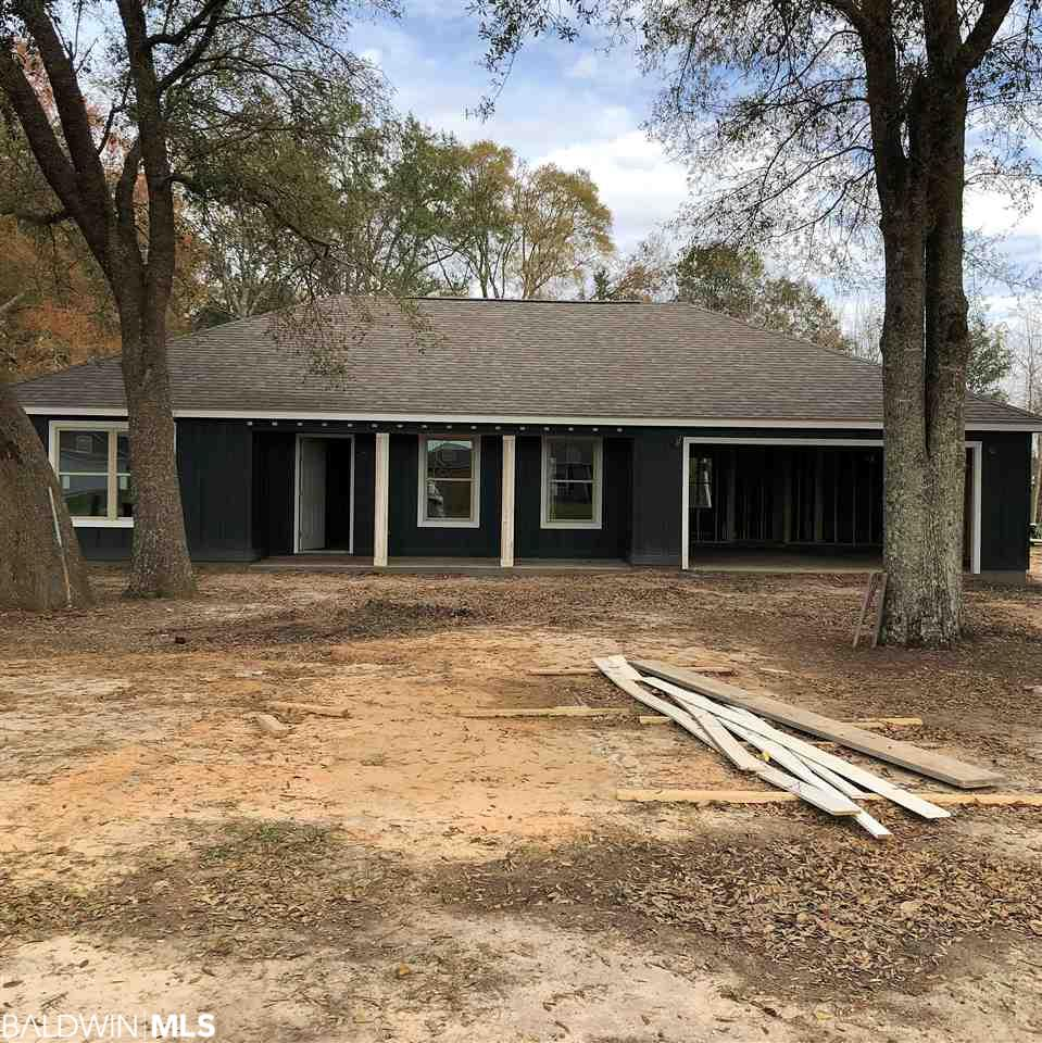 206 Lakefront Circle, Summerdale, AL 36580