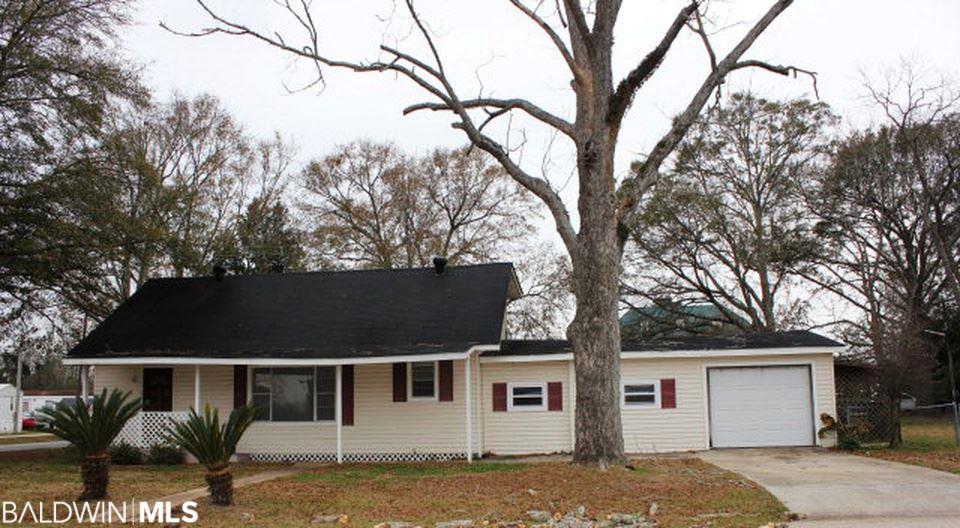 18623 E Silverhill Avenue, Robertsdale, AL 36567