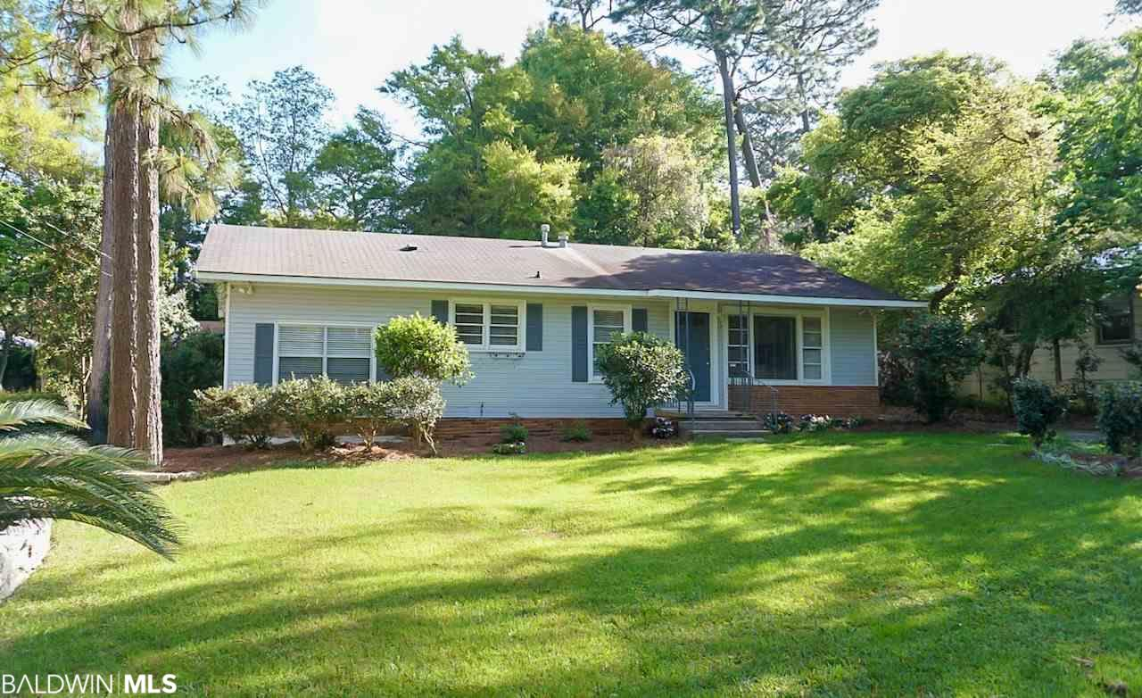 207 Orange Avenue, Fairhope, AL 36532