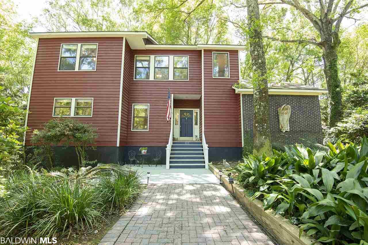 812 Pinewood Court, Daphne, AL 36526