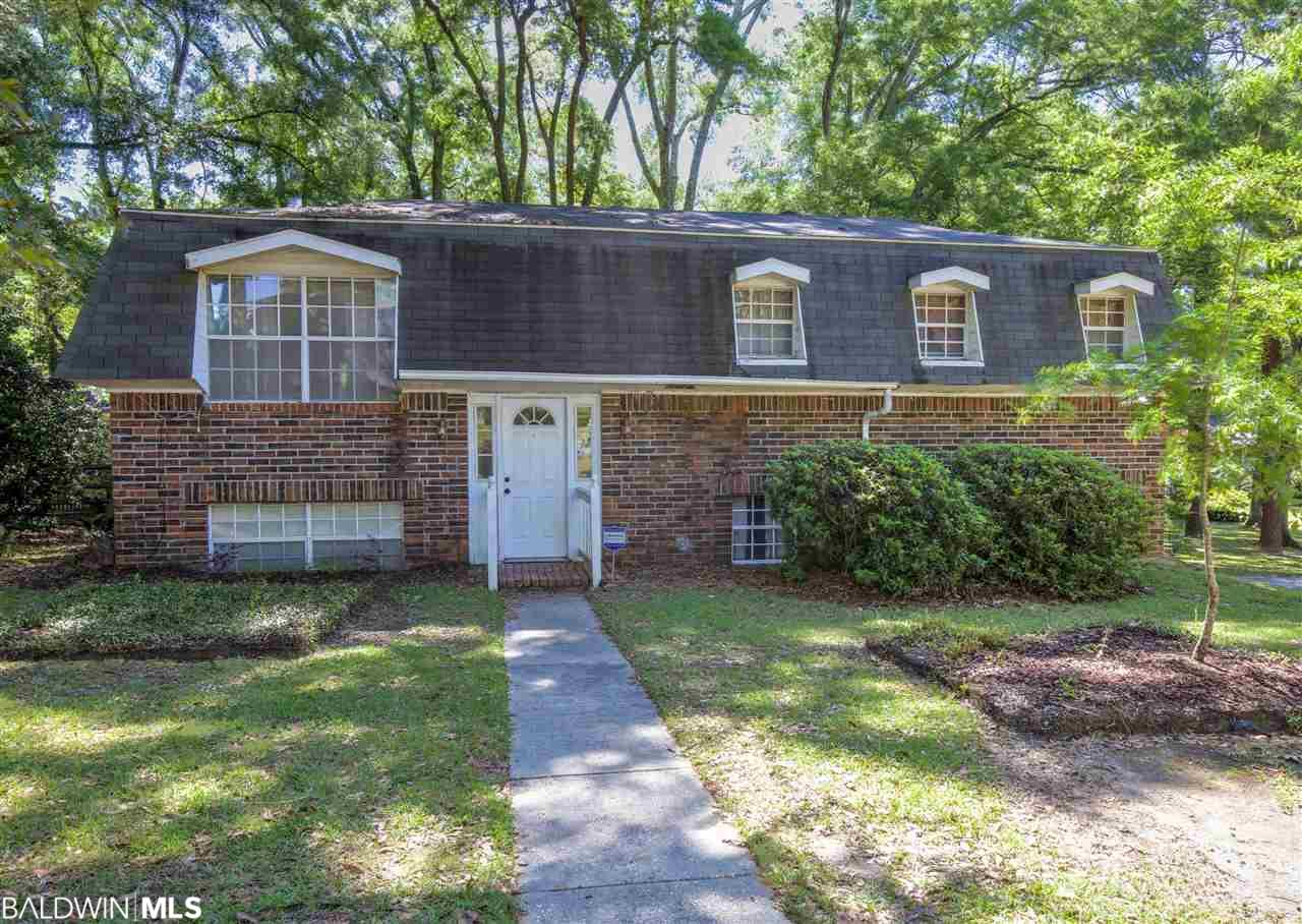 106 Ronforth St, Fairhope, AL 36532
