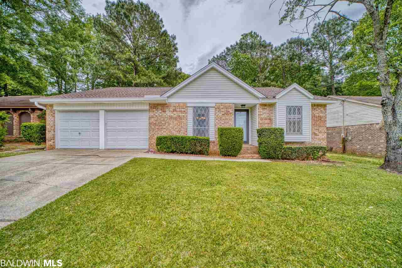 Come checkout this well maintained home sitting on a quarter acre that shows pride of ownership throughout. This beautiful original owners home features vaulted ceilings and a wood burning fireplace in the great room, a split floor plan, walk in closets in all the nice size bedrooms, and a open floor plan. 2012 the plumbing was updated and June 2018 a new roof was added. Home is in close proximity to schools, shopping, dining and I-10.