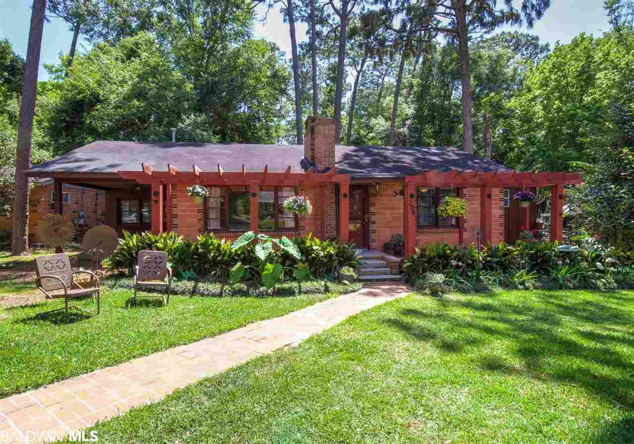 206 Orange Avenue, Fairhope, AL 36532